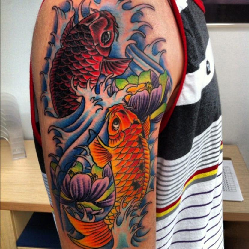 Pez koi un tatuaje con significado y leyenda sabes cu l es for Imagenes de peces chinos