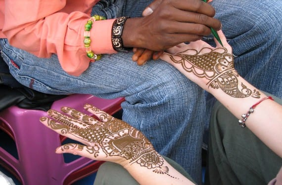 Los tatuajes con henna gozan de total aceptación