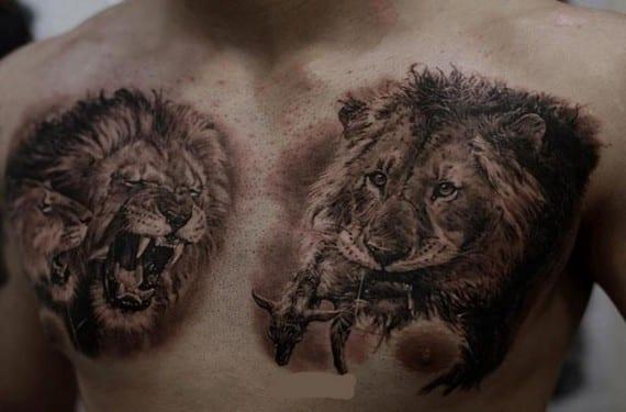 Un león admite muchas combinaciones como dibujo para un tatuaje