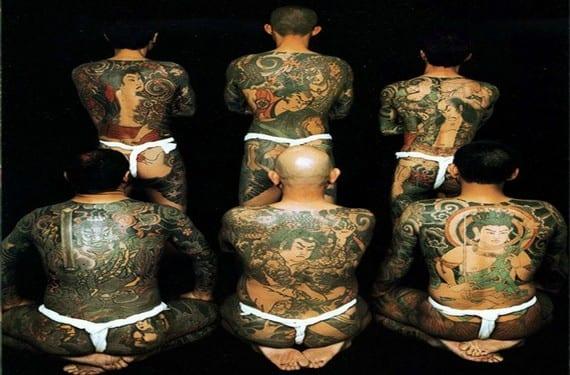 La Yakuza profusamente tatuada