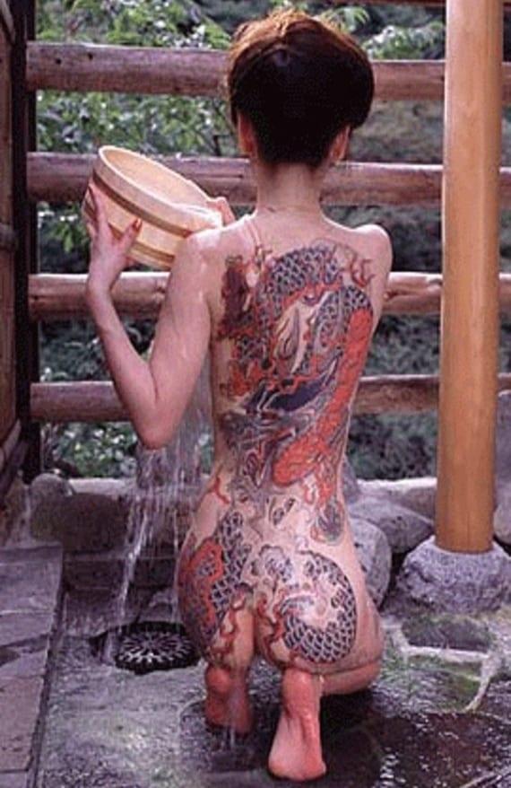 Las mujeres yakuza también se tatuaban