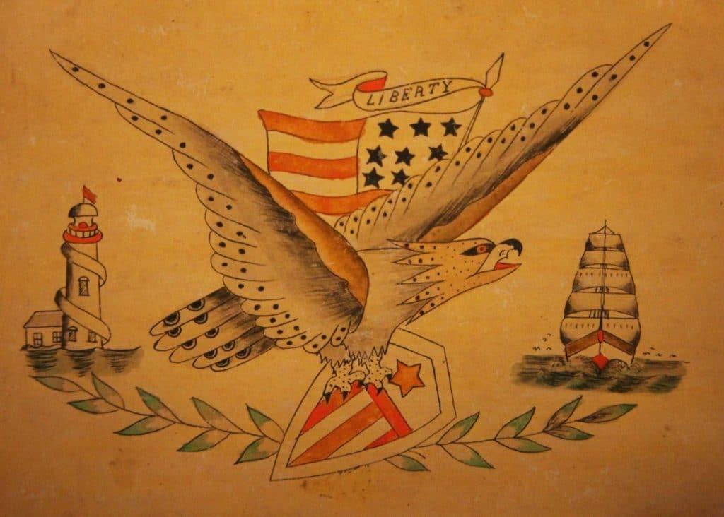 Antigua muestra de tatuajes con faro