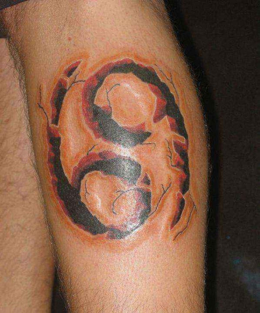 Un inofensivo tatuaje del signo cáncer