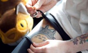 Tatuaje anime totoro