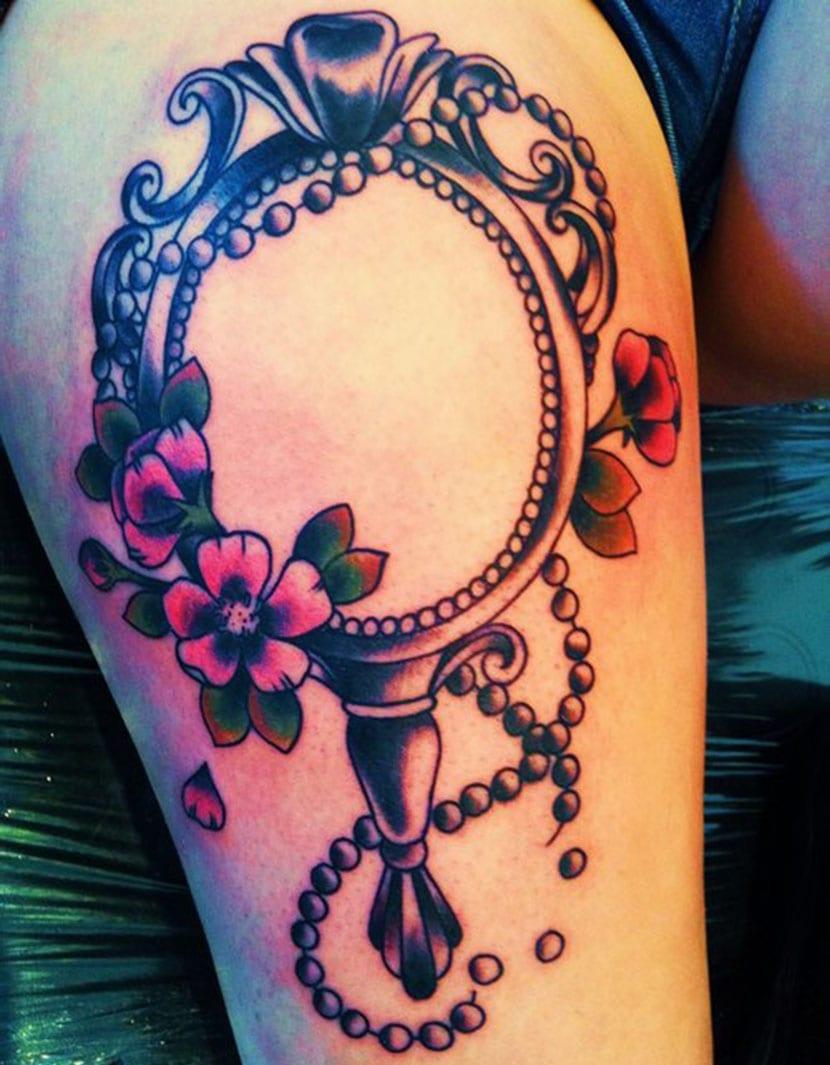 Tatuajes de espejos significado y dise os for Disenos para espejos