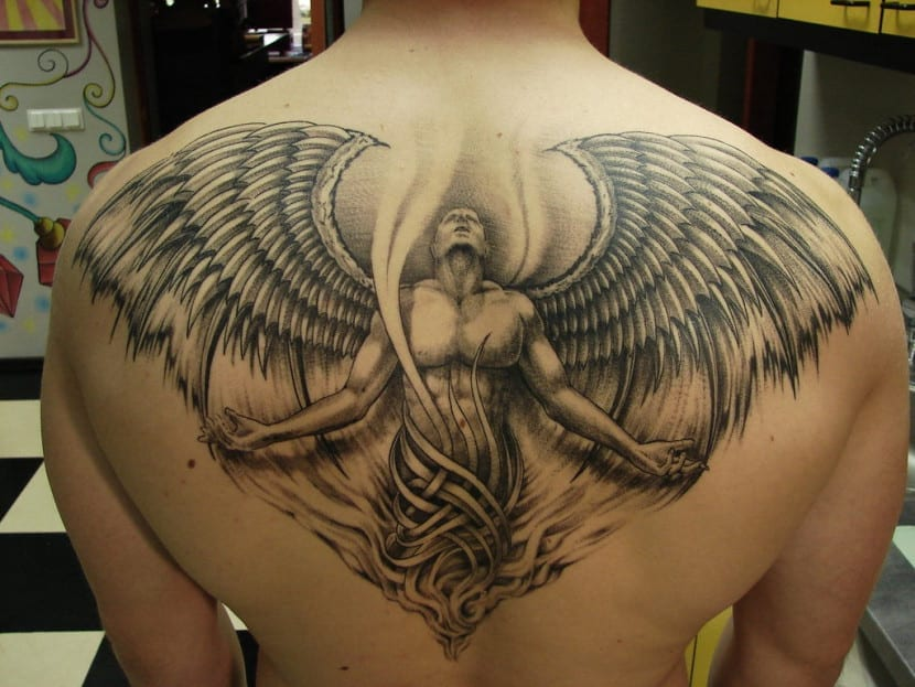 tatuaje angel caido