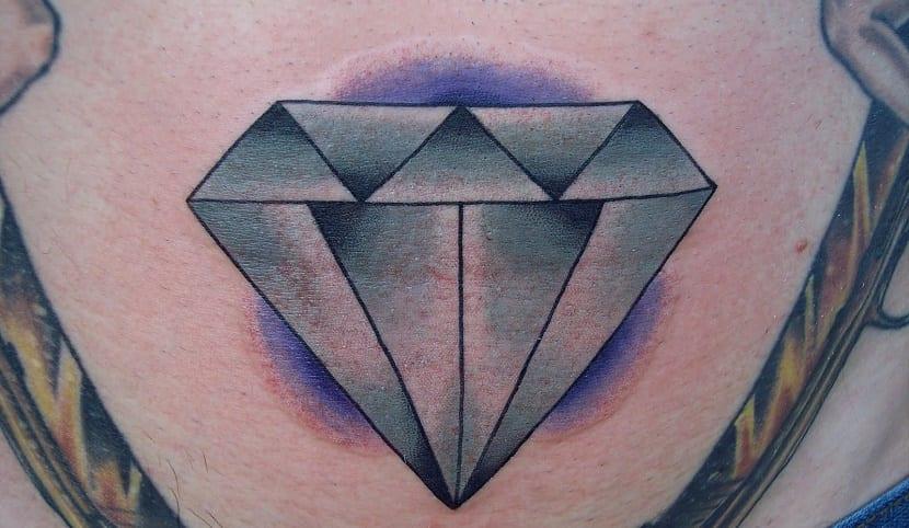 Significado de los tatuajes de diamantes (3)