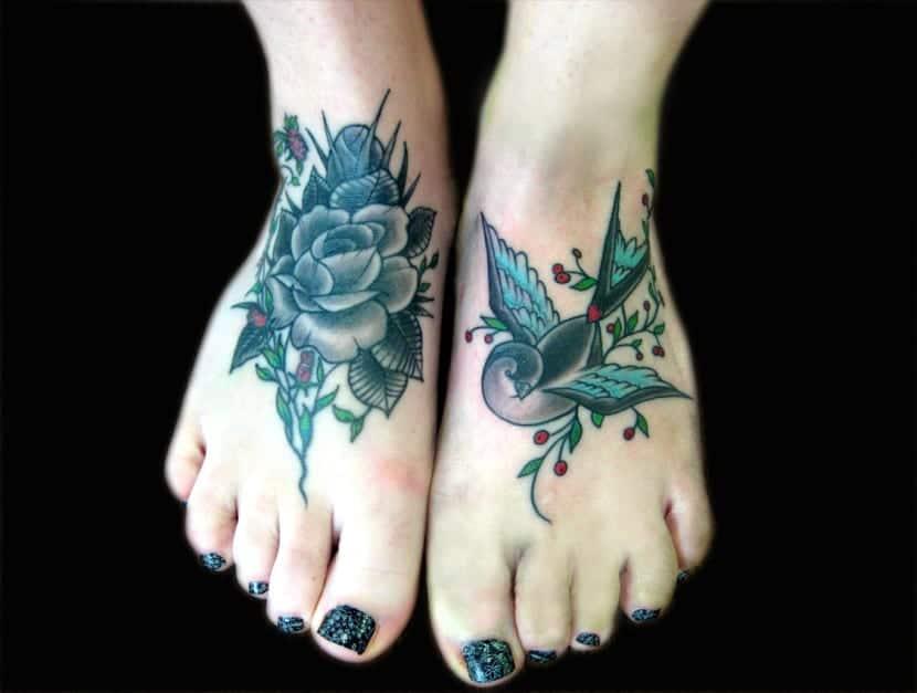 tatuaje mujer pie bonito