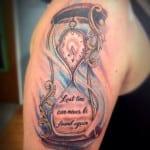 Tatuajes de relojes de arena