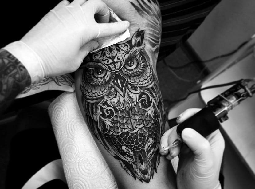 Tatuajes De Buhos Disenos Ideas Y Todo Sobre Su Significado