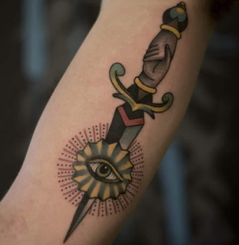 Tatuajes de dagas y su significado