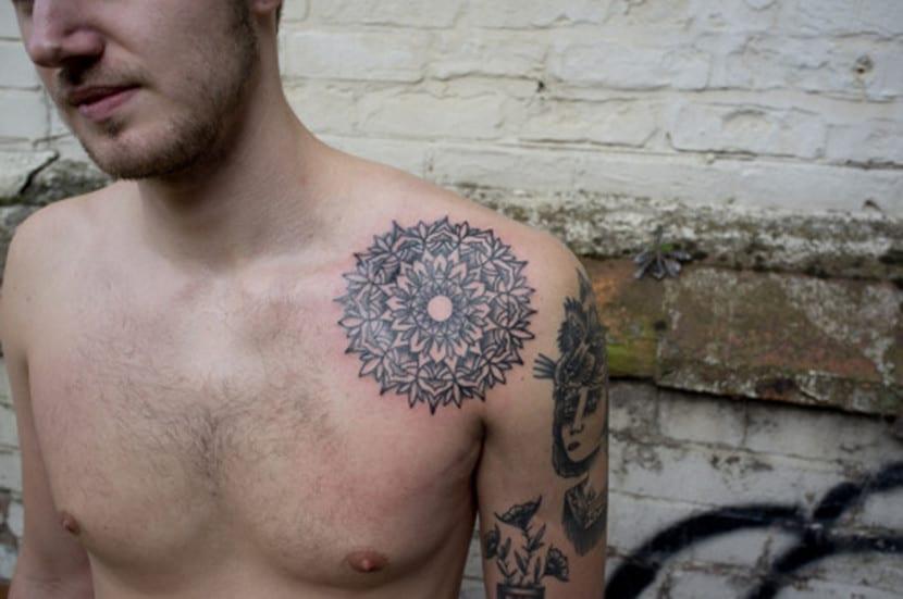 Tatuajes de mandalas para hombres