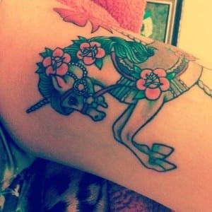 tatuaje de unicornio