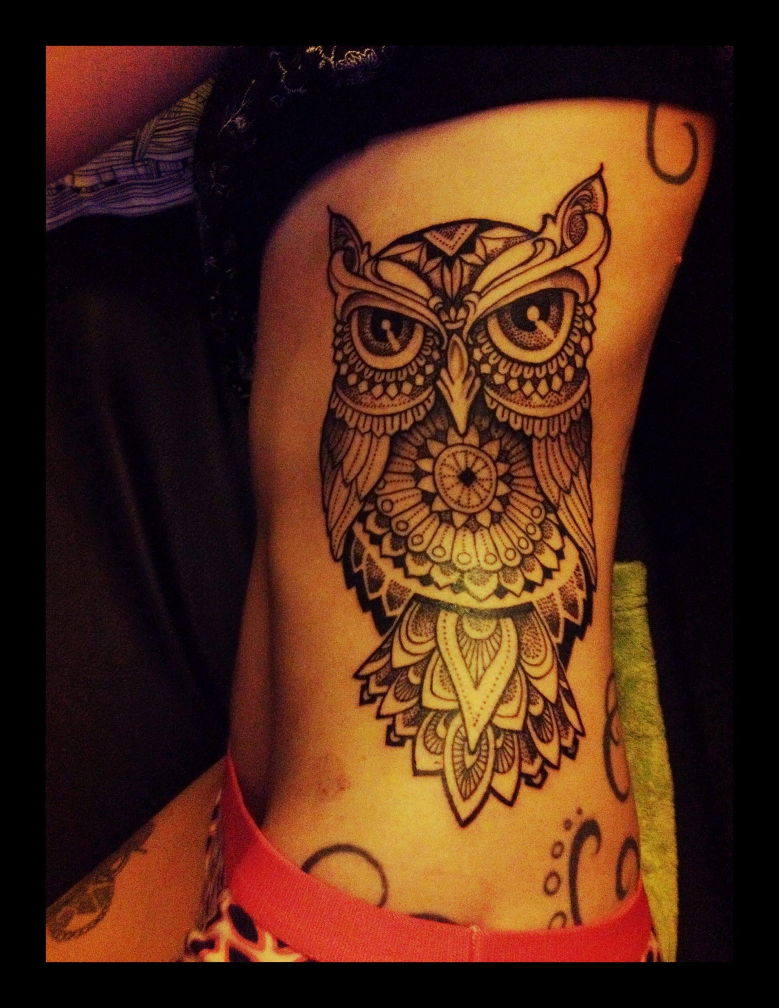 Duelen Mucho Los Tatuajes En Las Costillas Se Deforman