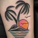Tatuajes de palmeras y puestas de sol