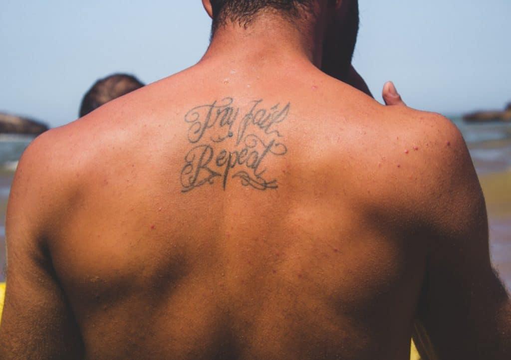 Frase en la espalda