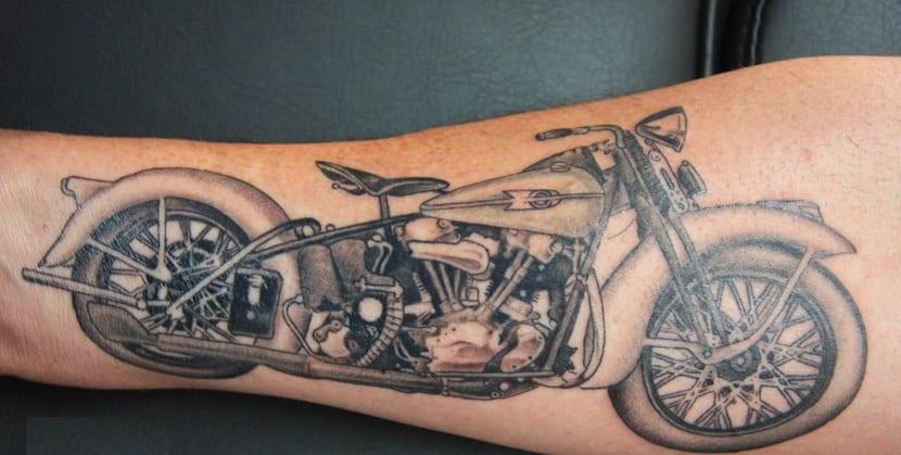 tatuaje de moto
