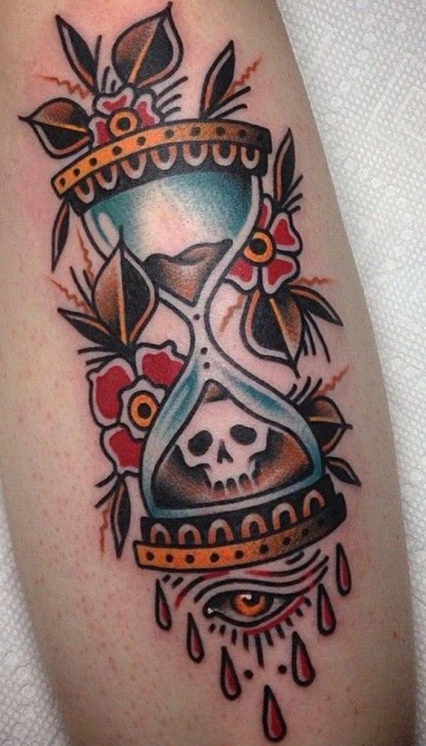Tatuaje reloj de arena old school