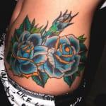 Tatuajes de rosas azules