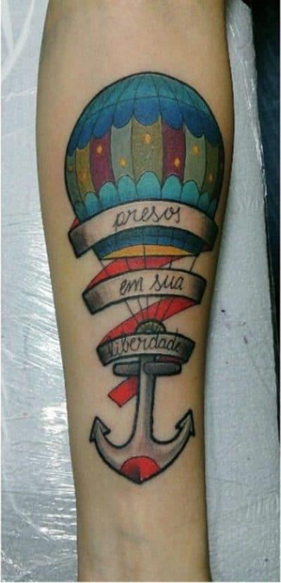 Un escrito puede dejar más claro el significado del tatuaje