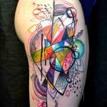 Tatuajes abstractos y vanguardistas