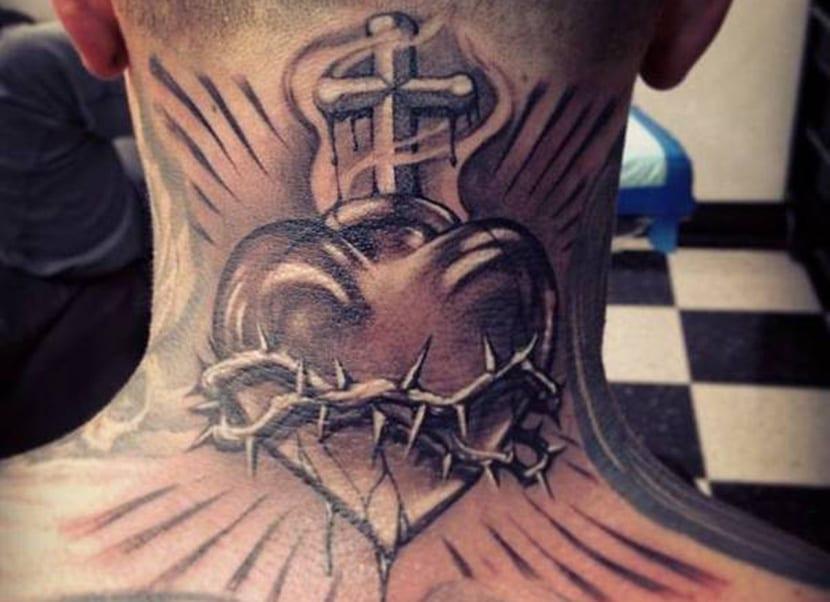 Tatuajes de corazón de espinas