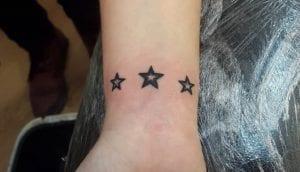 tatuaje de tres estrellas