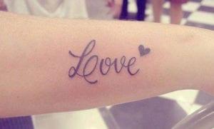 Tatuajes de la palabra love