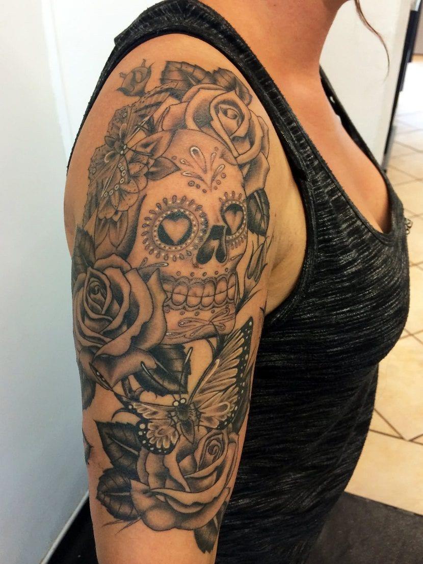 Tatuajes De Calaveras Con Rosas