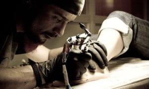 El tatuaje como una salida laboral