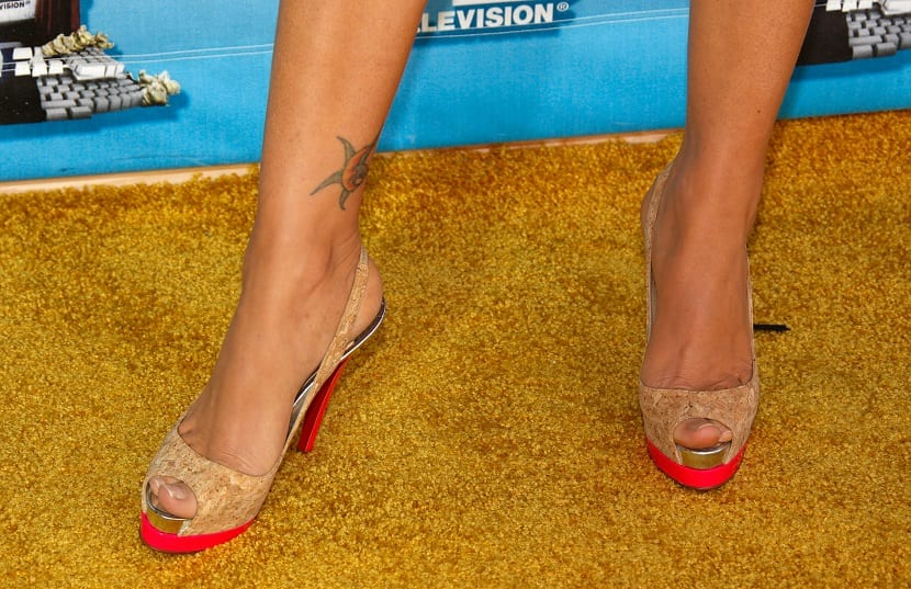 UNIVERSAL CITY, CA - JUNE 01: A detail of actress Megan Fox's shoes arrives at the 17th annual MTV Movie Awards held at the Gibson Amphitheatre on June 1, 2008 in Universal City, California. (Photo by Frazer Harrison/Getty Images)