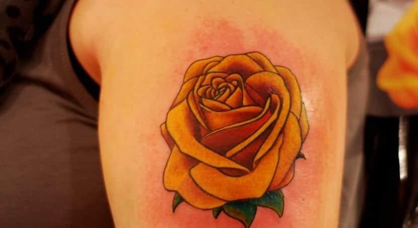 tatuaje-amarillo