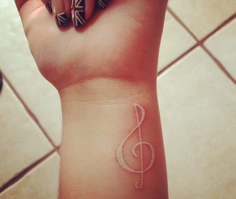 tatuaje-blanco