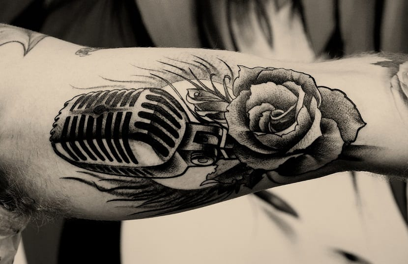 tatuaje-micrófono