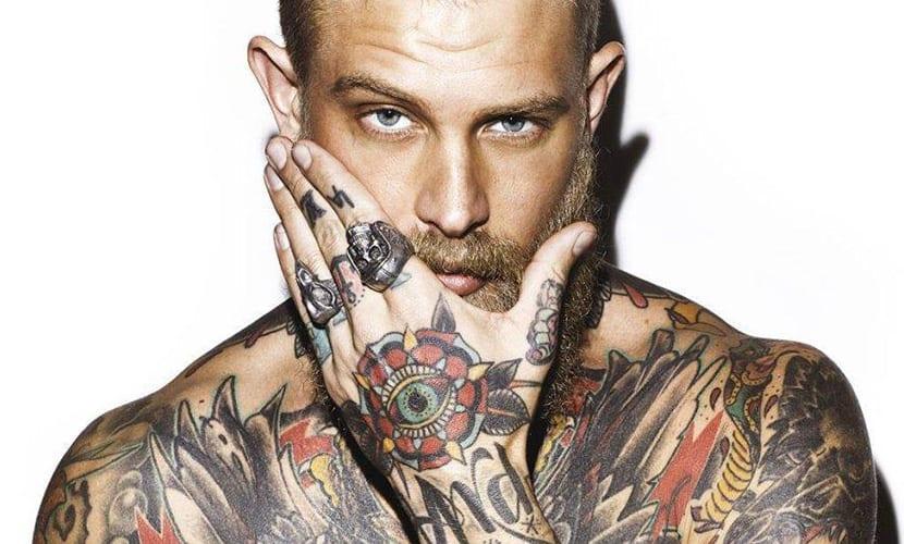 Prepararse para hacerse un tatuaje