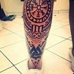 Tatuaje en el gemelo