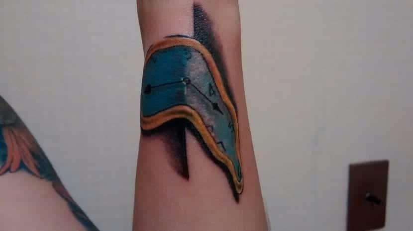 tatuaje de reloj blando