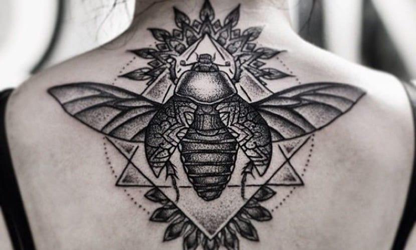 Tatuaje De Escarabajo Egipcio Símbolo De Creación Y Surgimiento Tatuantes