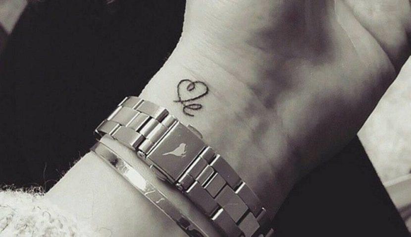 Tatuajes De Letras Entrelazadas