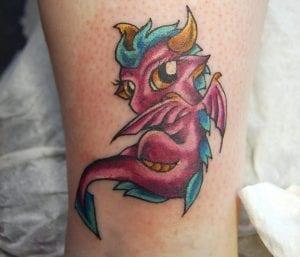 tatuaje de dragones pequenos