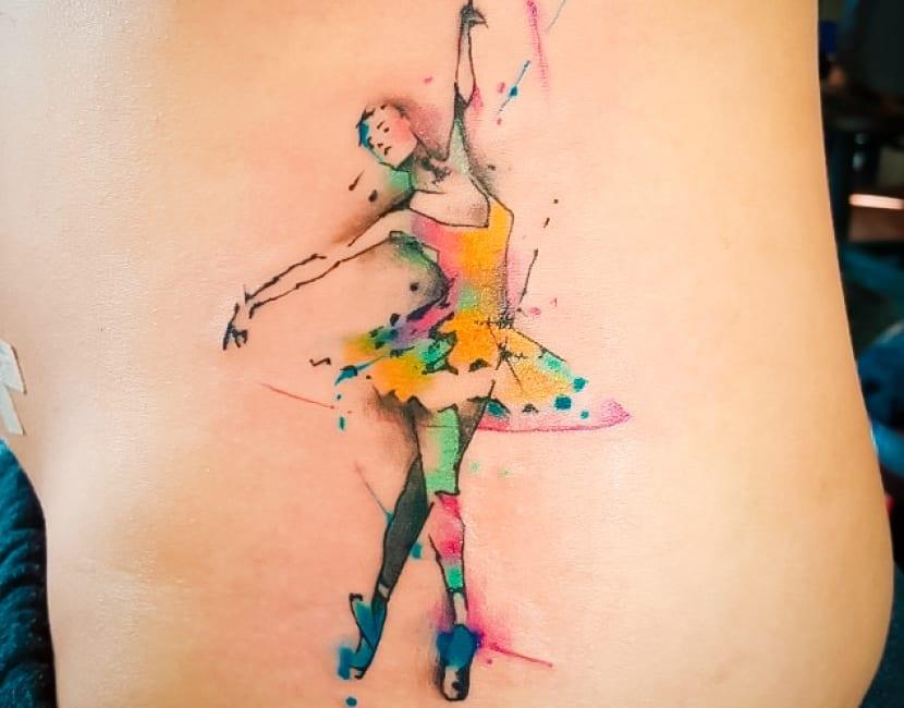 Tatuaje bailarina mujer