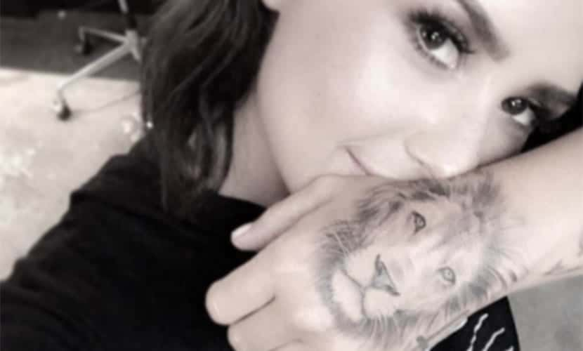Demi Lovato tatuaje de león