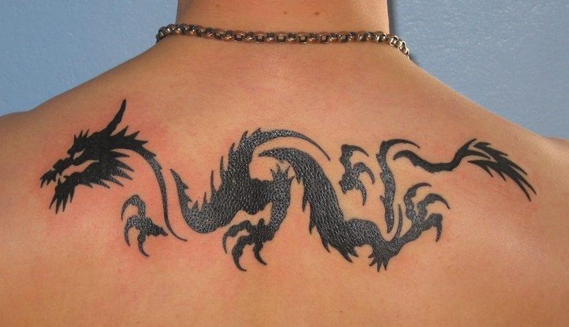 tatuaje de dragón tribal