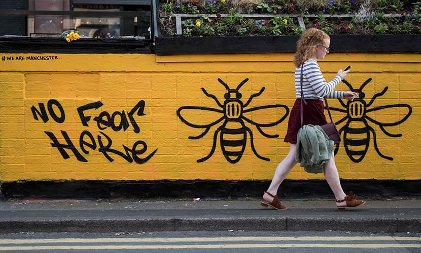 Grafitis de abejas en Mánchester