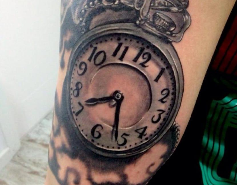 Tatuaje De Reloj Antiguo Y Sus Grandes Estilos Para Tu Piel