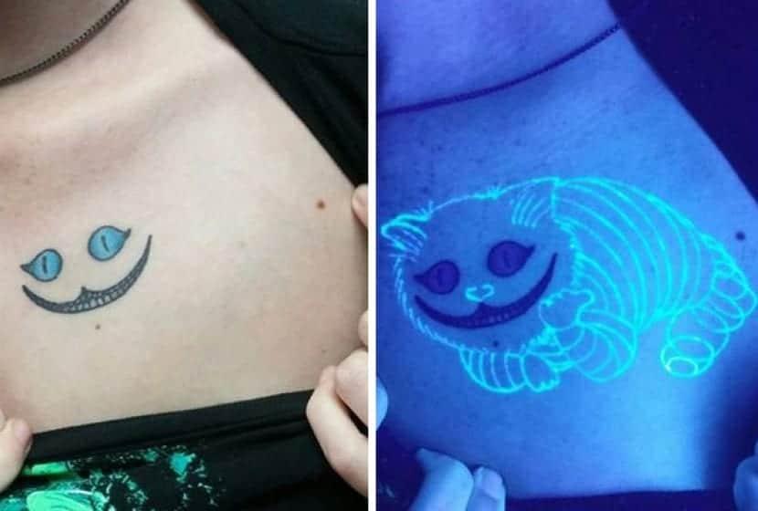 Tatuaje combinado con tinta UV