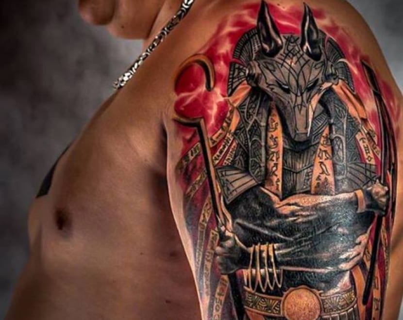 Tatuaje Anubis en color