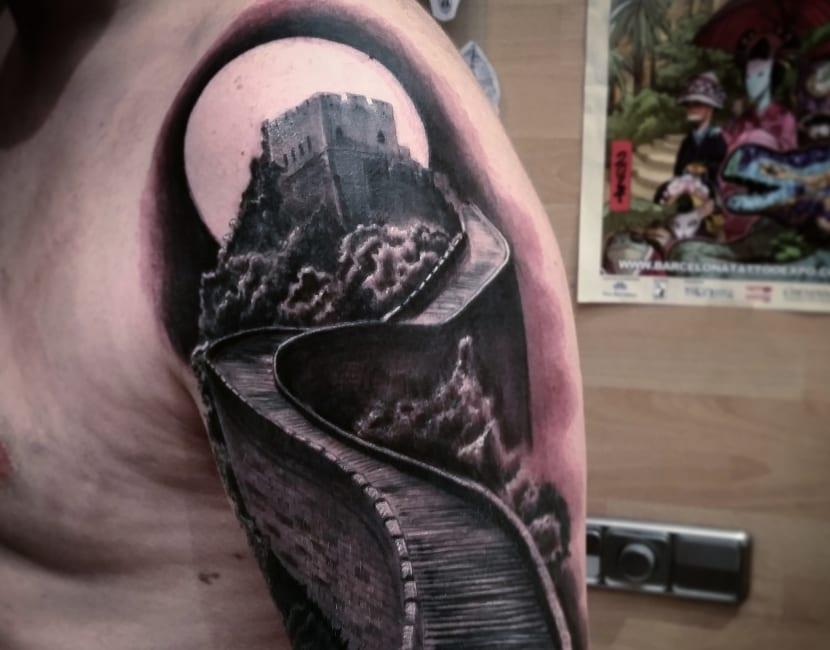 Tatuaje hombro y brazo