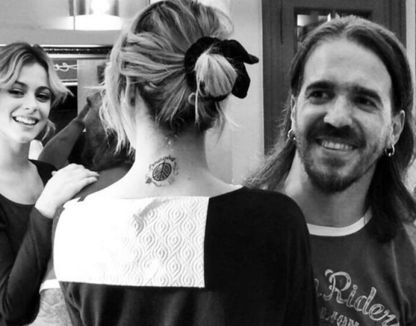 Tatuaje en el cuello Martina Stoessel