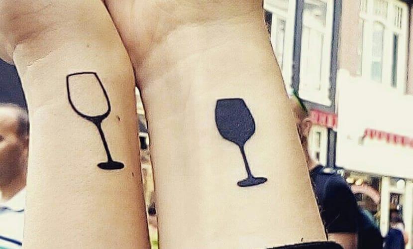 Tatuajes De Copas De Vino Recopilación De Diseños